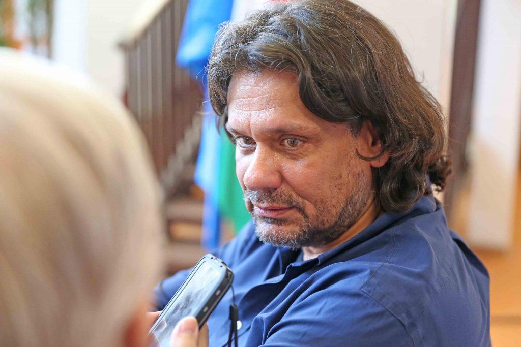 Deutsch Tamás, az Európai Parlament képviselője Dunai Mónika vendégeként Rákosmentén tartott előadást.